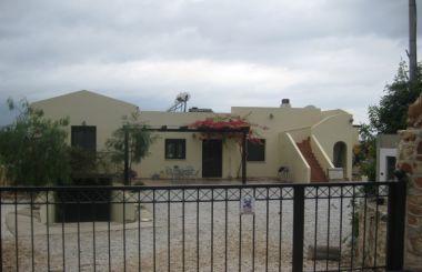 Villa in Xirosterni